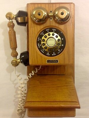 Country Store Telephone Model HAC WP 800 Touch Tone Solid Oak
