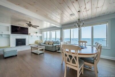 Gorgeous Oceanfront Beach House in Romantic Niantic, CT 2 Bedroom 2 1/2 Bath