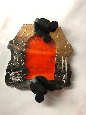 Disney Park Pack Tangled Pin LE 500 - Rapunzel Red Orange Stain Glass 1 of 3
