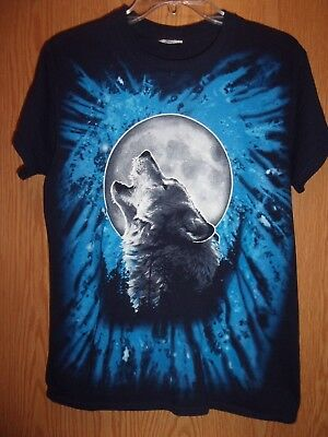 Wolf Howling at Full Moon S t shirt