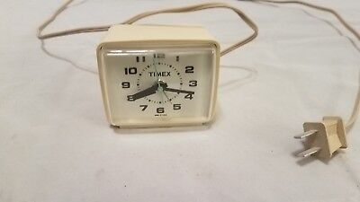 Timex Electric Vintage Alarm clock Model  7369A white Made in USA