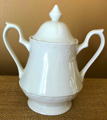 Johnson Brothers Richmond White Sugar Bowl with Lid Excellent Condition Elegant