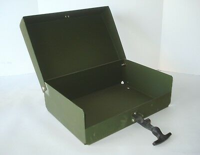 Military Green Metal Transport Tool Storage Box Container Off-Road Jeep Case