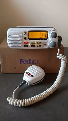 HORIZON INTREPID GX1260S VHF FM MARINE RADIO w/ SUBMERSIBLE MIC