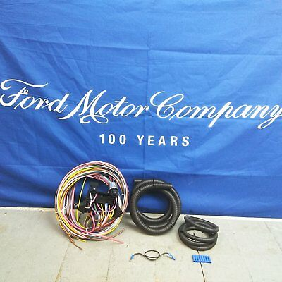 12v 18 Circuit 12 Fuse Universal Wiring Harness 18 circuit universal wire harness rat rod street rod hot rod