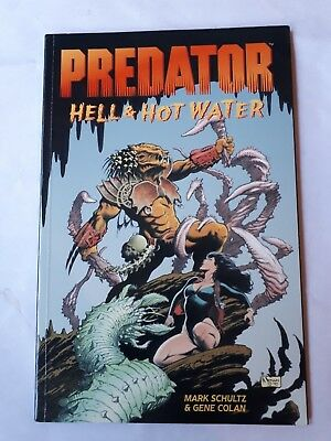 Predator Hell & Hot Water graphic novel - first print 1998 LIKE NEW CONDITION