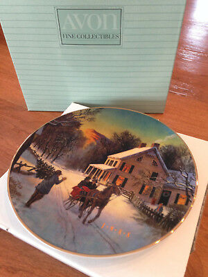 """Avon """"Home For The Holidays"""" Porcelain 1988 Christmas Plate Trimmed w/ 22K Gold"""