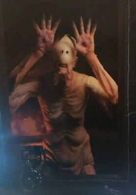 """NECA Pale Man (Pan's Labyrinth) 7"""" Scale Action Figure Collectible GDT Signature"""