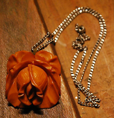 Genuine BAKELITE Vintage CARVED 'BUTTERSCOTCH' ROSEBUD Pendant Choker Necklace