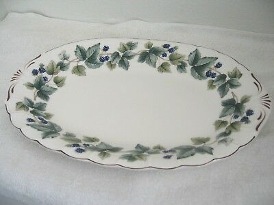 "Nikko Casual Living Greenwood Green Ivy 14"" by 9.5"" Oval Serving Platter - Japan"
