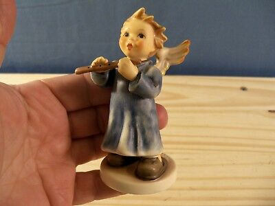 "Goebel Hummel Figurine # 2135/G 2003 Annual Angel 4"" Tall TMK 8"