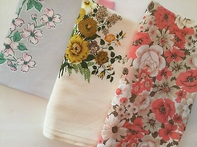 Lot Of 3 Vintage Printed Tablecloths - Floral F11