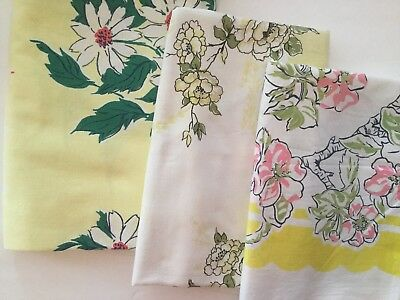 Lot Of 3 Vintage Printed Tablecloths - Floral F12