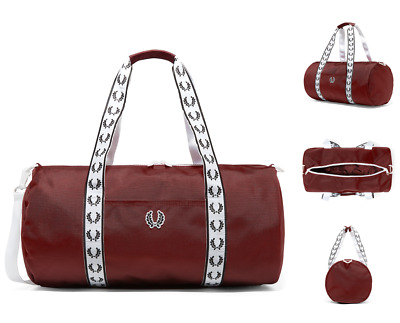 FRED PERRY Barrel Bag L2208 Tapered Track Carry Shoulder Maroon Bags BNWT  RRP£65 b4da55e86f80c
