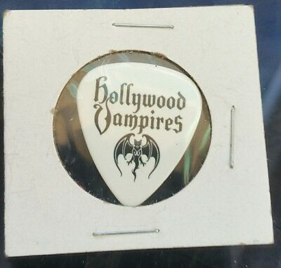 Hollywood Vampires Joe Perry  Aerosmith 2018 Europe white BAT Guitar pick rare