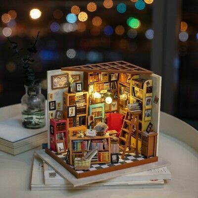 ROBOTIME DIY Dollhouse Library Wooden Miniature Books Store 1:24 Christmas Gift