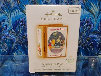 """Hallmark Ornament Winnie the Pooh Book Series Final #12 """"A Snack for Pooh""""  2009"""
