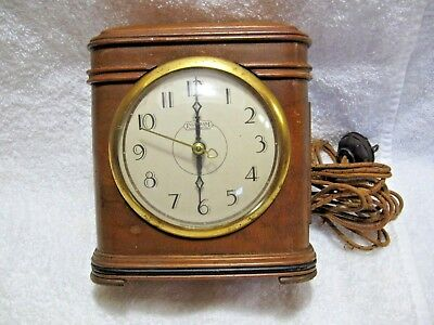 Vintage INGRAHAM Electric SELF STARTING Wood Clock Model SD 321-Collectible Time