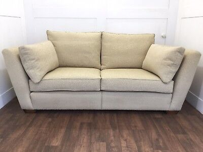 Duresta Country House Elegant Sofa On Solid Oak Legs.  Superb Quality In Vgc