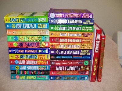 Lot of 25 JANET EVANOVICH BOOKS.STEPHANIE PLUM 1-23.PLUS 2 TWEENS.TURBO 23
