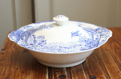 A Pretty Antique Vegetable Tureen, Blue and White China
