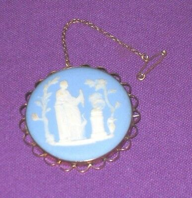 VICTORIAN EARLY 1800s HALLMARKED 9ct GOLD WEDGWOOD JASPER WARE BROOCH ANTIQUE