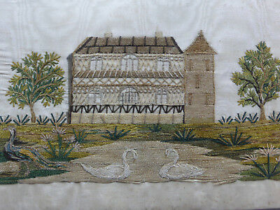 BRODERIE ANCIENNE-SOIE MOIREE BRODEE au FIL CHENILLE D'1 CHATEAU+2 CYGNES+PAON