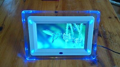 Digital photo frame with charger vgc