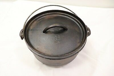 LODGE NO. 8 10 CAST IRON DUTCH OVENw lid  3 footed Vintage 7 inch