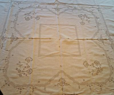 Vtg 1940s-60s TABLECLOTH 6 Napkins QUALITY LINEN Embroidery 67 x 64 NICE COND!
