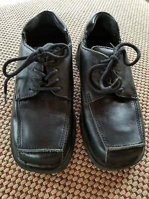 Boys Size 1 Kenneth Cole Reaction black dress shoes