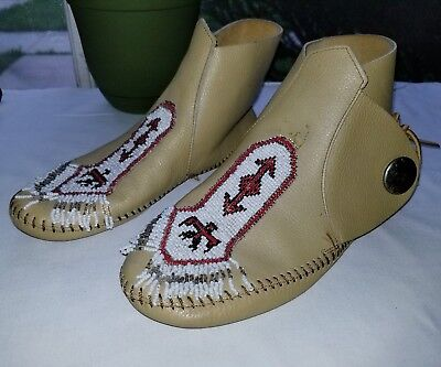 Womens MINNETONKA tan camel vintage beaded moccasin sz 9