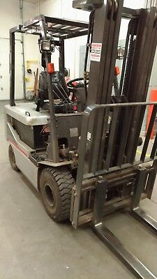 Nissan Forklift 5000lbs Platinum Series BXP50 Electric