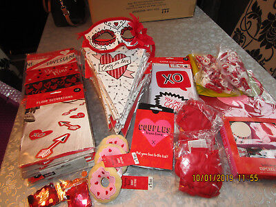 Job Lot Of Valentines Banners Balloons Stickers Confetti *reduced*