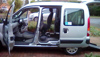 Renault Kangoo for disabled driver auto ramp and tailgate