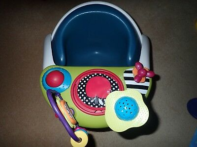 Mamas and Papas Baby Snug Seat with Activity Tray In Green
