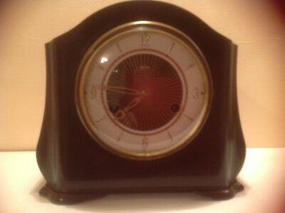 Smiths Bakelite 8 Day Mantle Clock  1950's In Very Good  Condition..