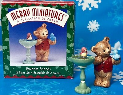 HALLMARK MERRY MINIATURES 1999 Favorite Friends 2-Piece Set Bear at birdbath