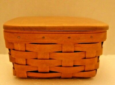 334-Longaberger 2008 Warm Brown Berry Basket with Lid and Protector