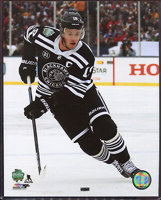 Jonathan Toews 2019 Winter Classic Chicago Blackhawks 8x10 photo with Toploader