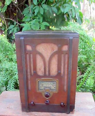 1937 RCA Model 5T Tombstone Radio.  Original finish. For display or restoration.