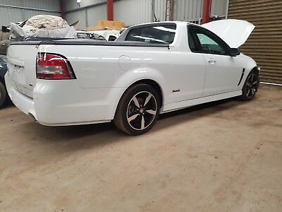 2016 Holden commodore VF SV6 6spd manual 43km export or track race car damaged