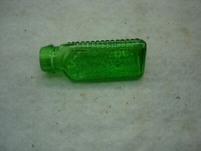 ANTIQUE 3 in 1 OIL SAMPLE TRIANGLE POISON BOTTLE, EMERALD GREEN, vintage 1900's