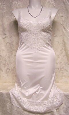 Vtg White VANITY FAIR Lacey NIGHTGOWN SLIP Size 38 Style 10-752 - BARELY WORN!