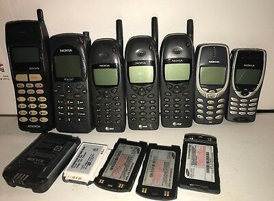 7 Vintage Cell Phones (4) Nokia, Audiovox Lot Additional Batteries