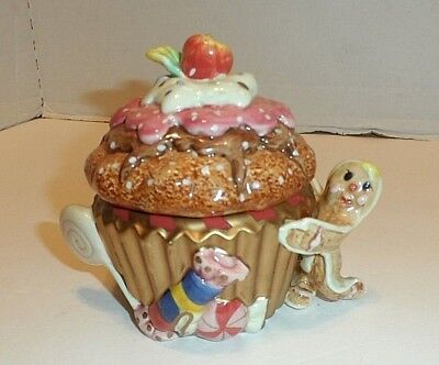 """FITZ AND FLOYD """"Candy Lane Express"""" Lidded Ginger Bread Box"""