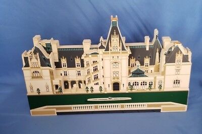 Sheila's Wooden Miniature House-#FHA03 1998 Biltmore Estate Collection