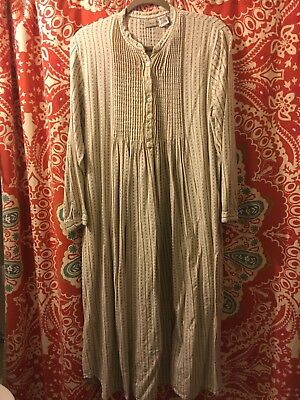 LLBean Vintage flannel night gown sizeLarge  Cream& Blue Long