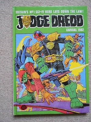Judge Dredd Annual 1982, BRITISH CHRISTMAS ANNUAL.GREAT CONDITION -SEE PHOTOS