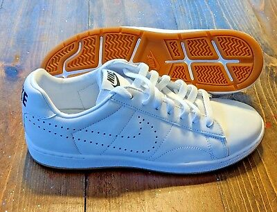 sports shoes 6e09b 764d6 Nike Womens Tennis Classic Ultra Leather White Gum Shoes Size 9 725111-102